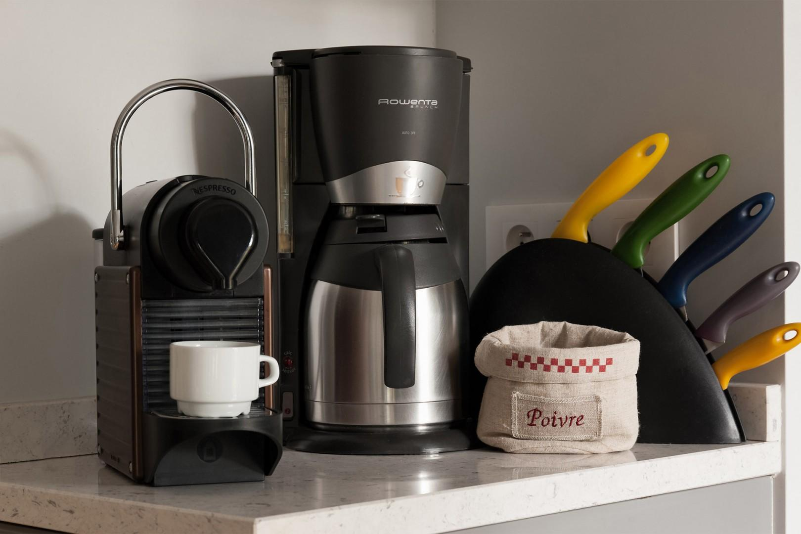 Start your morning with freshly brewed coffee at home!