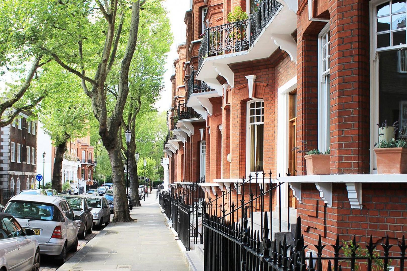 Christchurch apartment is located off of this charming London street
