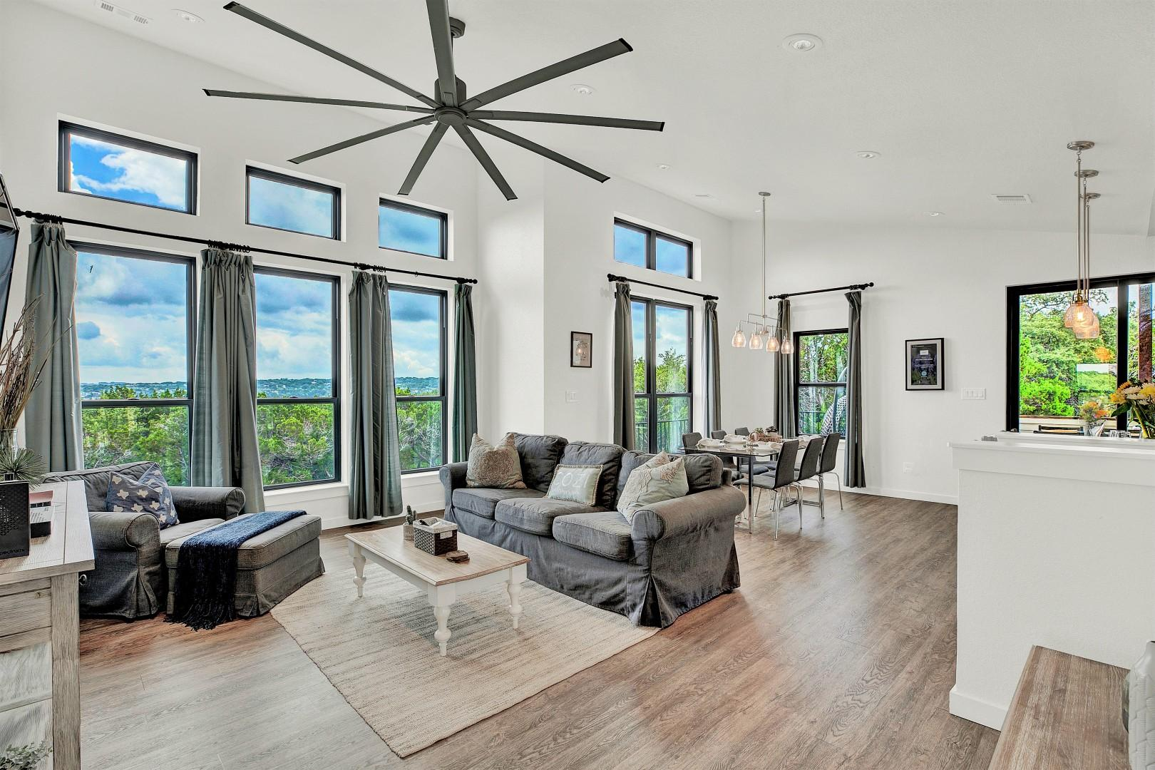 Luxury Lakeview Home w/ Beach, Boat, & Park Access