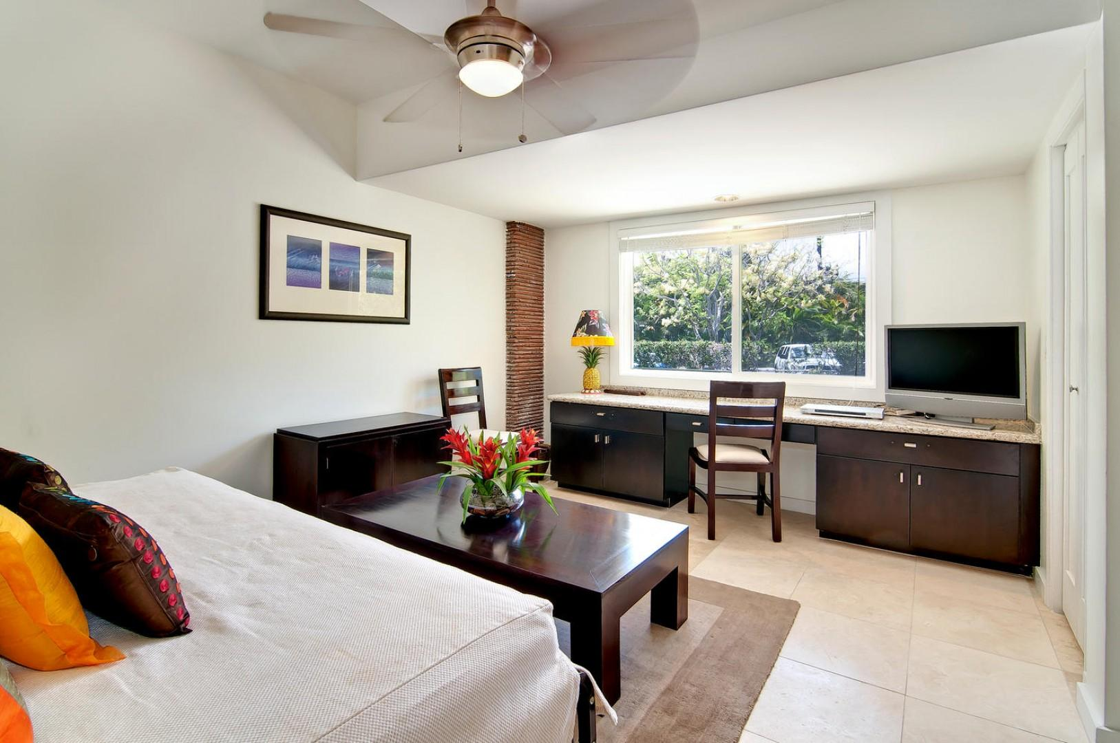 Room Four - Twin bed has been repalced with aKing bed, room sleeps two