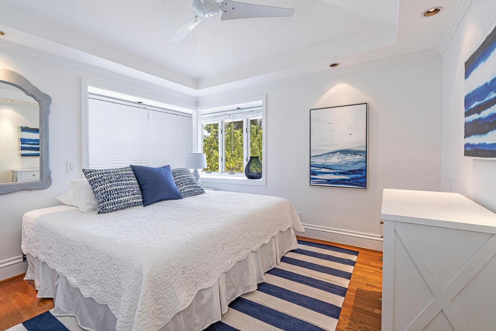 Lanikai Seashore Guest Bedroom upstairs Ocean View