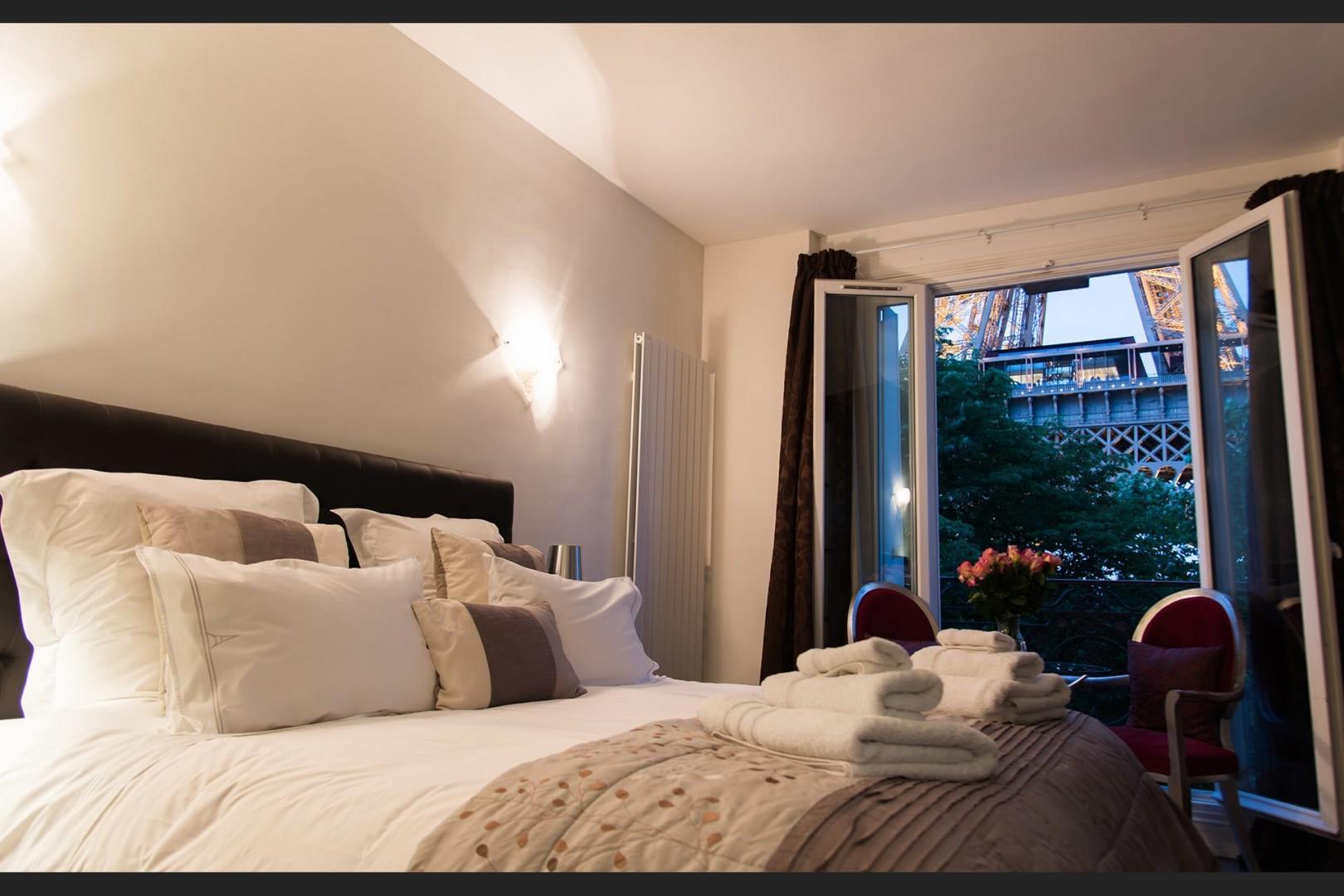 Enjoy the most romantic bedroom in Paris!