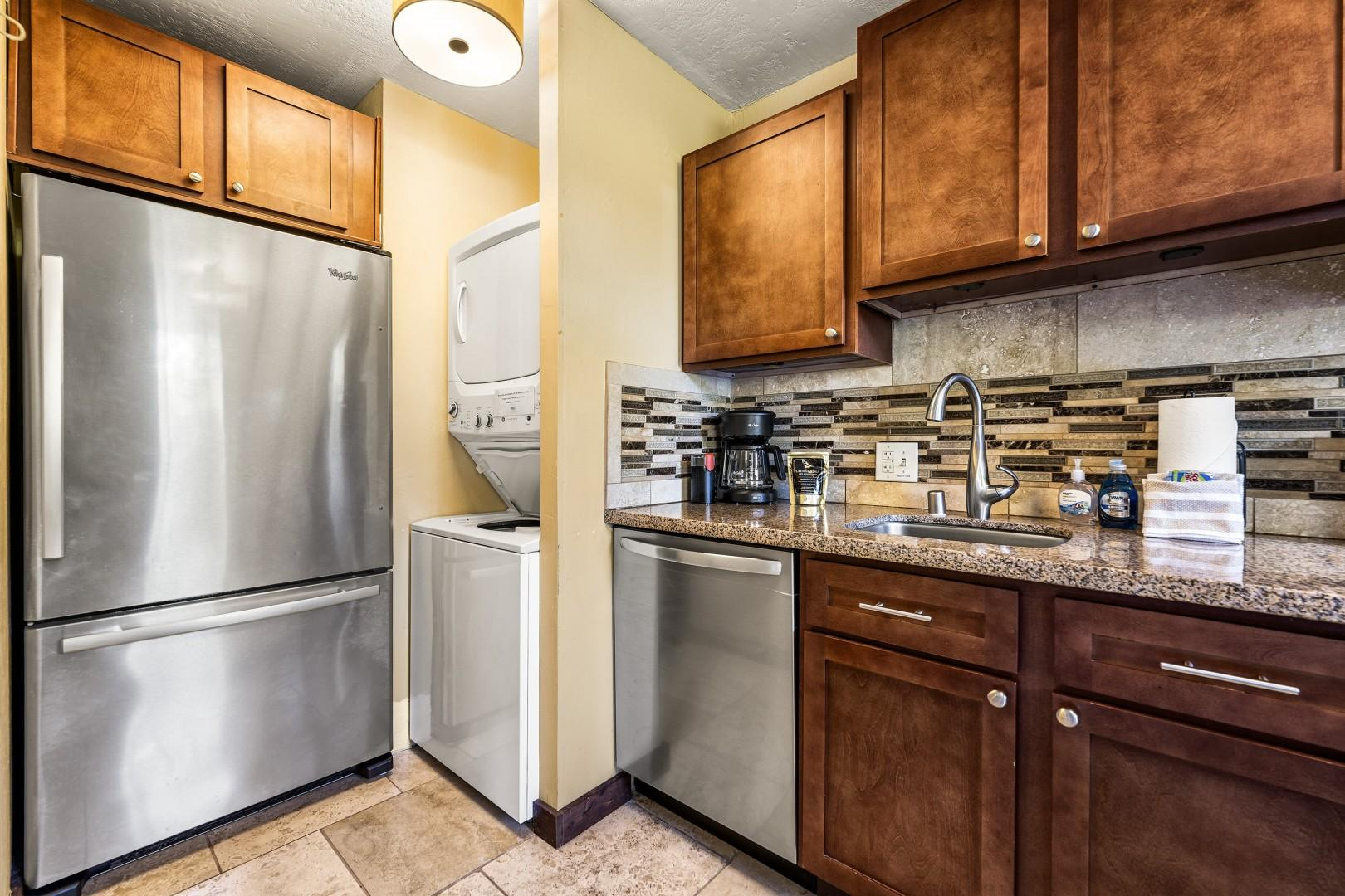 Full sized washer/dryer in unit!