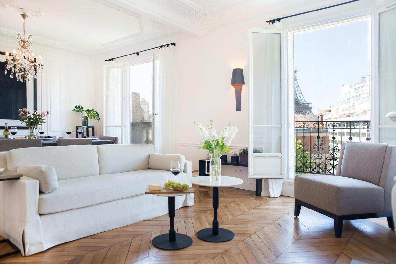 Welcome to our beautiful and sunny Marsannay rental in Paris!