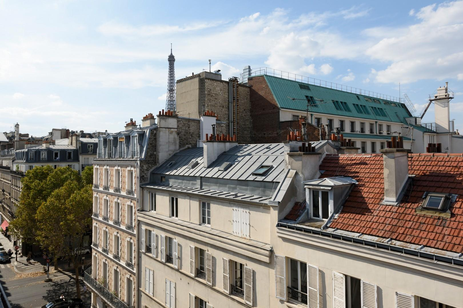 Welcome to the charming Muscadelle with Eiffel Tower views!