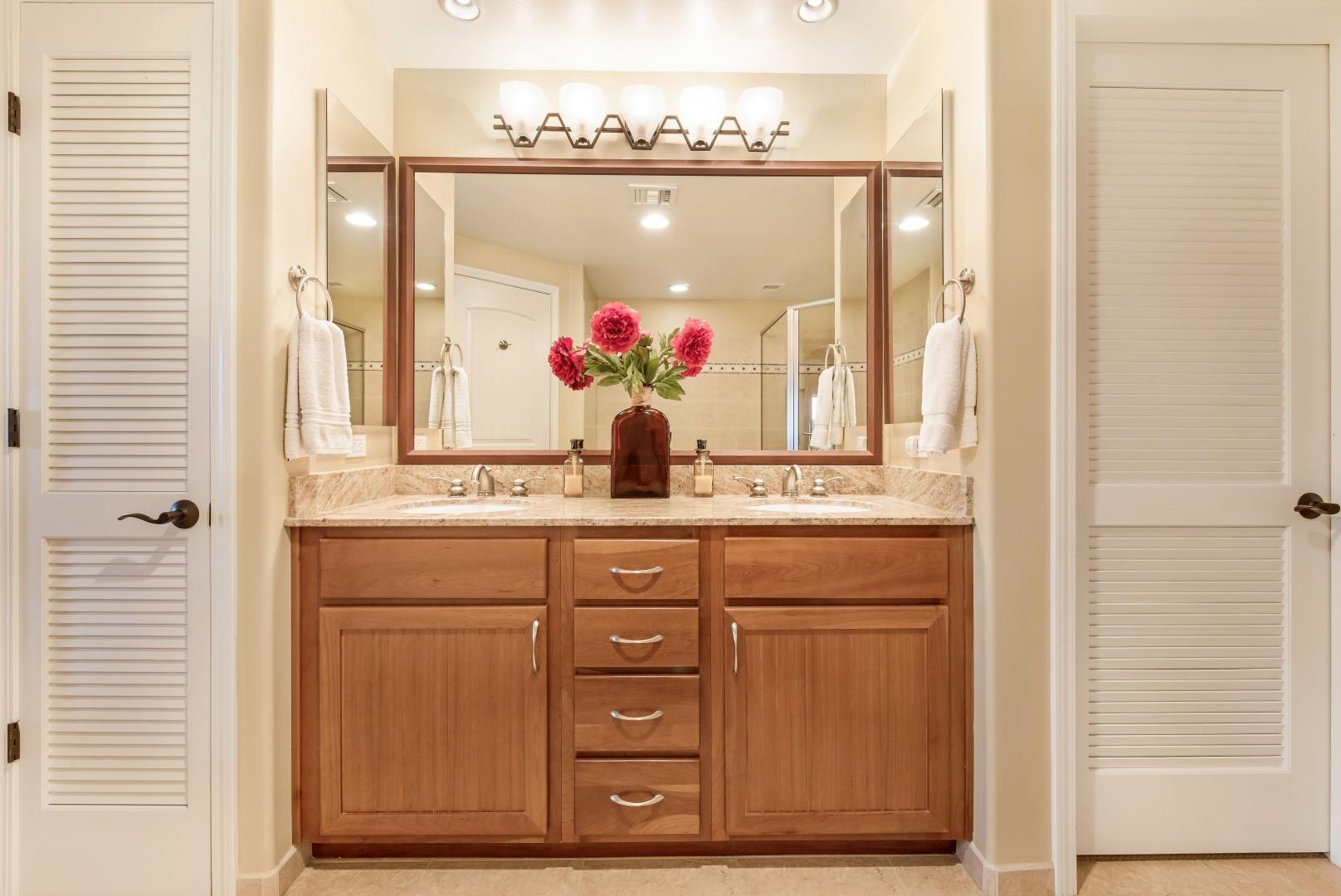 Master Bath w/ Dual Sinks