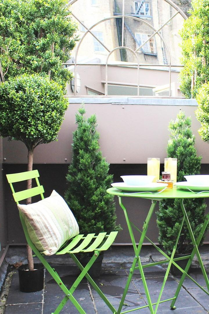A sunny start to your day on the rooftop terrace