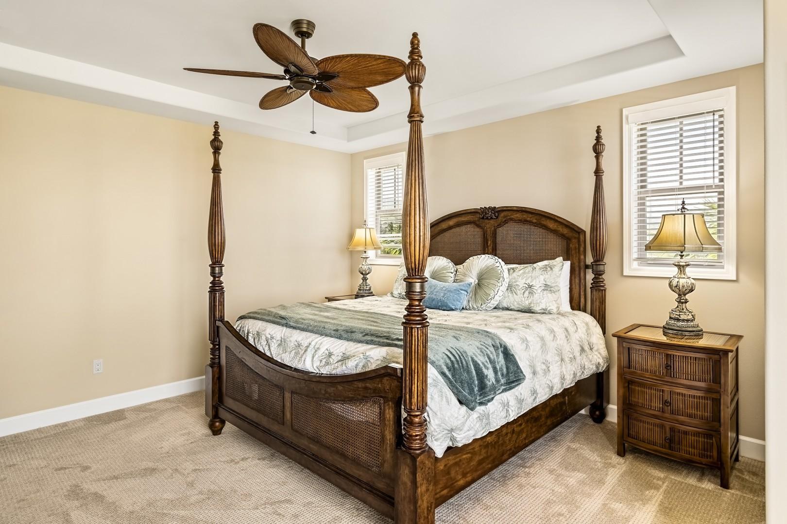 King bed, A?C, TV, private Lanai with Ocean views!