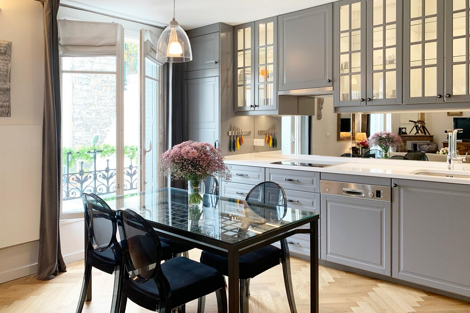 You will love preparing meals in this fully equipped, modern kitchen.