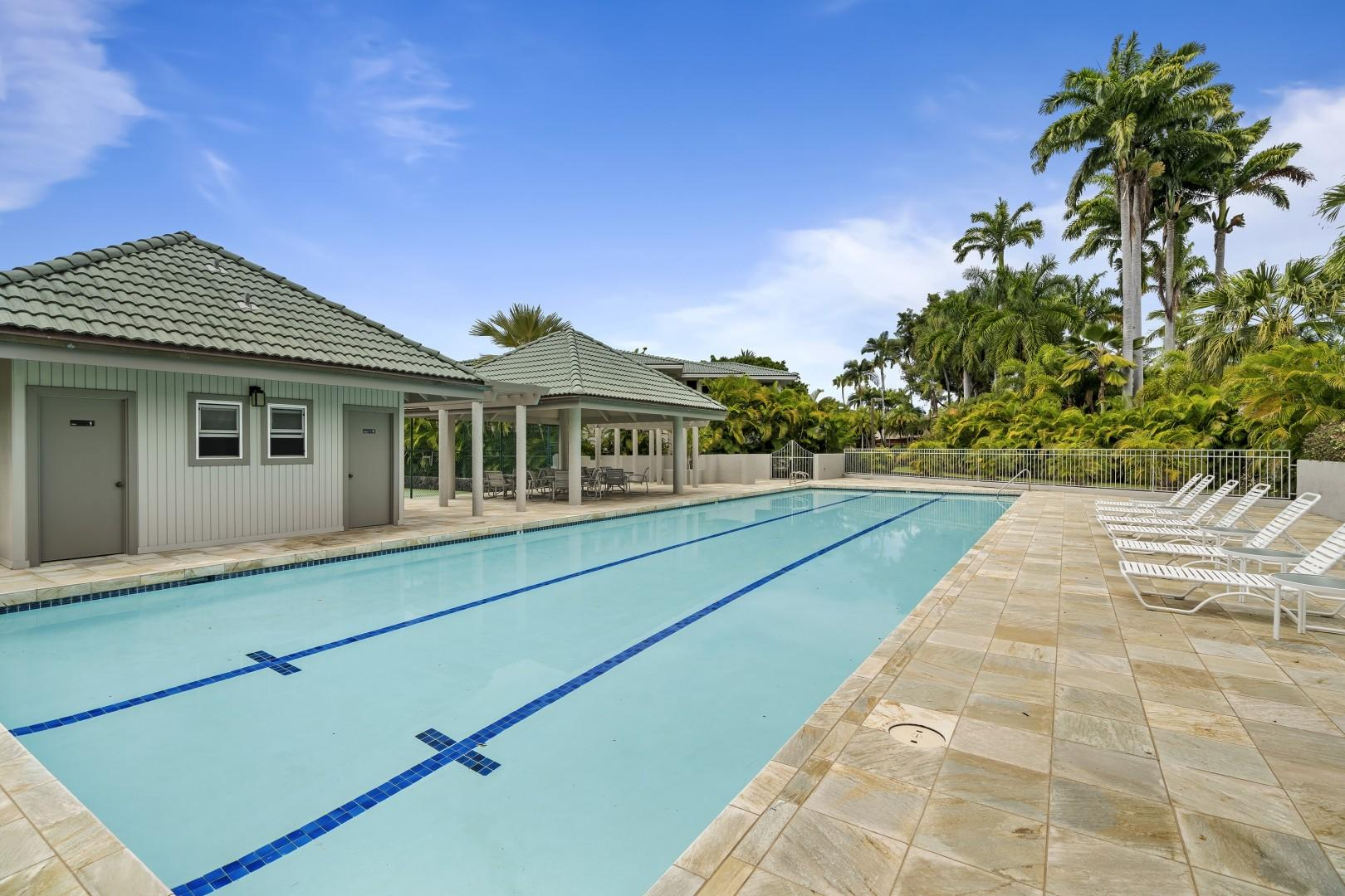 Community pool accessible to the guests of Alii Point