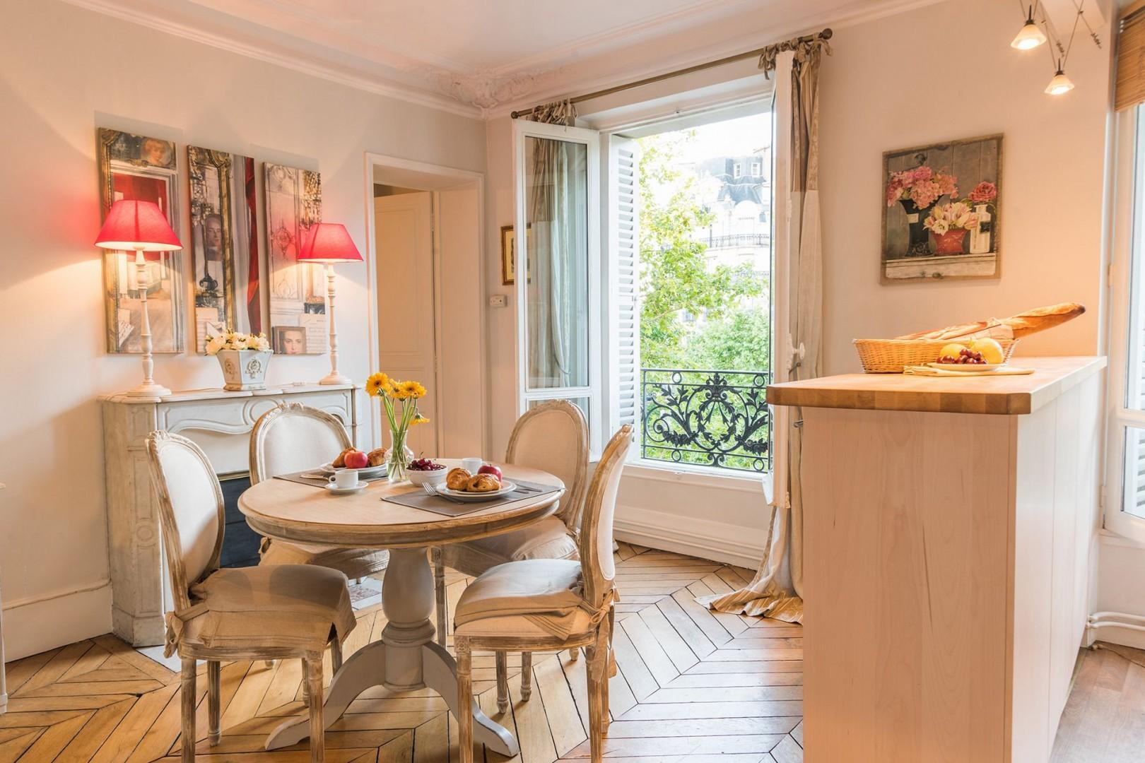 Start your day in the bright and airy dining area and kitchen.