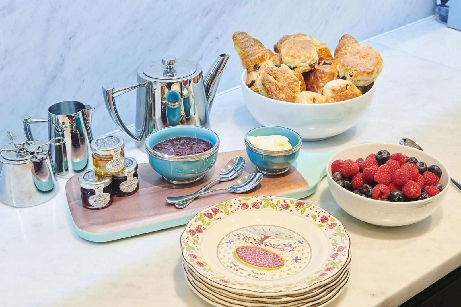 Enjoy English-style breakfast in the comfort of the house