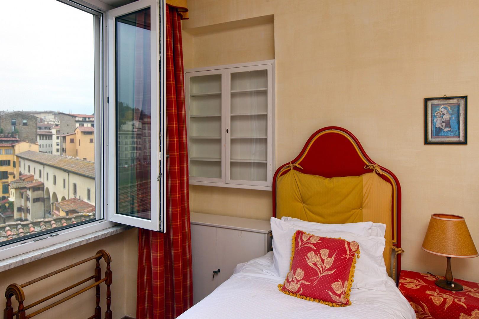 Awaken to marvelous Florence views!