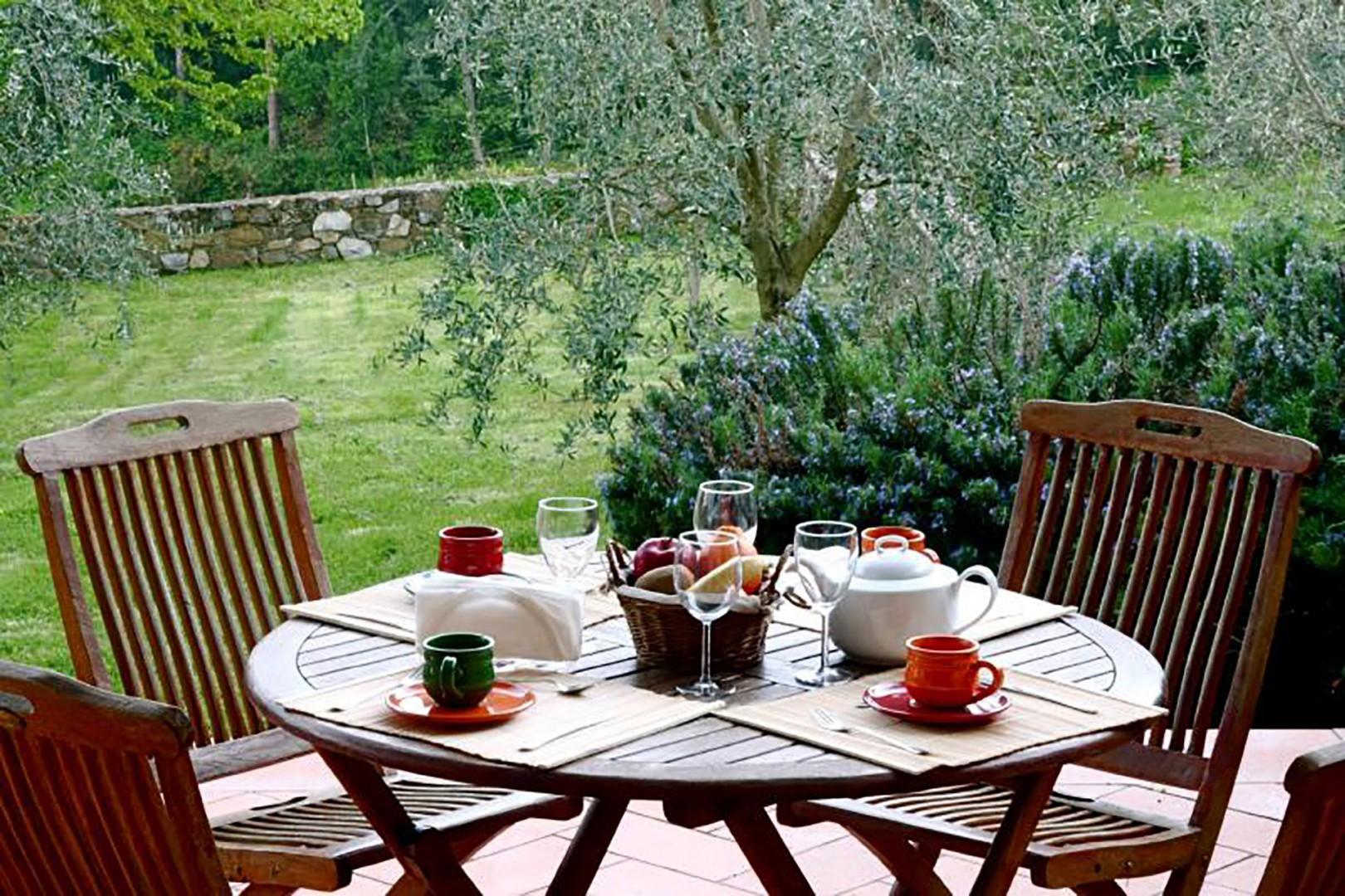 Enjoy breakfast on the open private terrace.