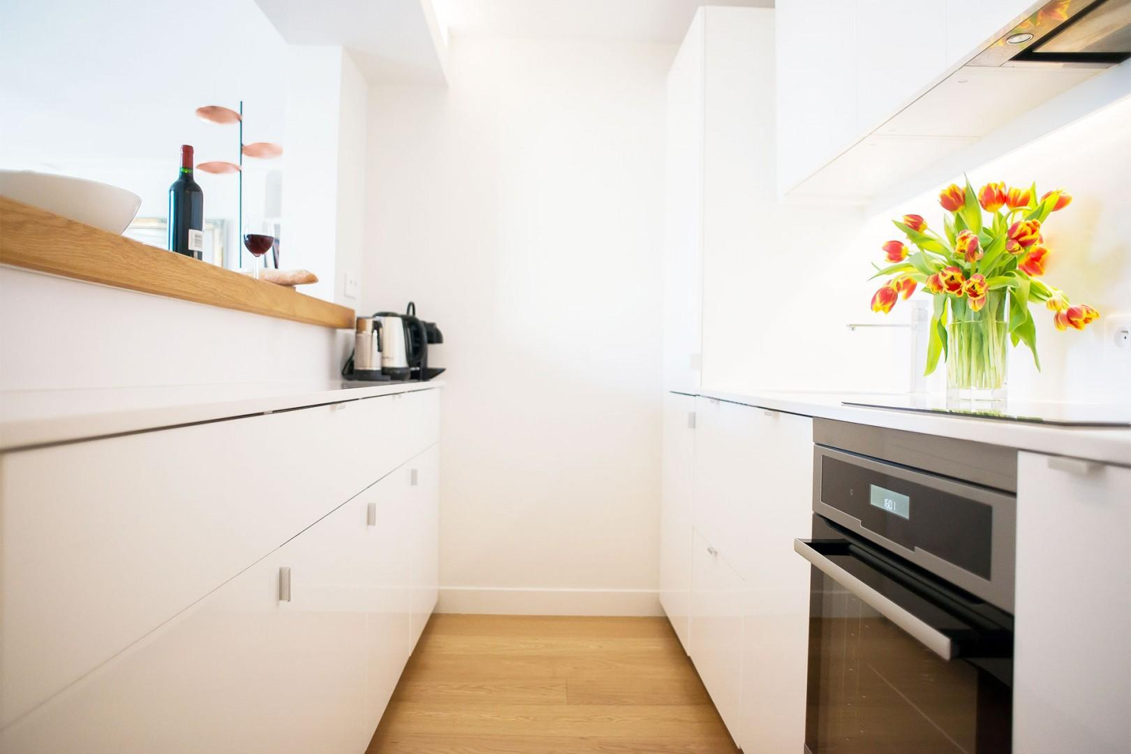 Enjoy cooking in the fully equipped modern kitchen.