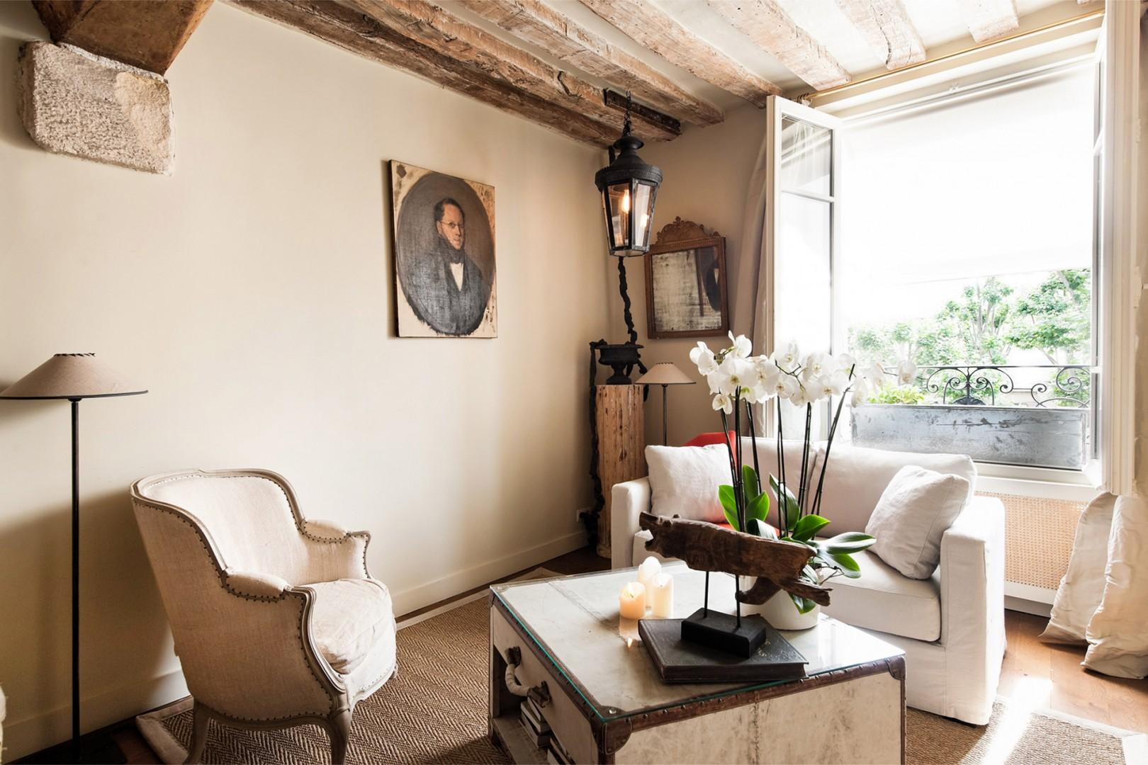 Welcome to our quaint Lussac apartment!