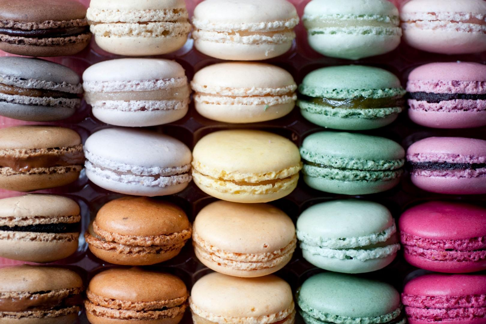 18-macarons-colorful