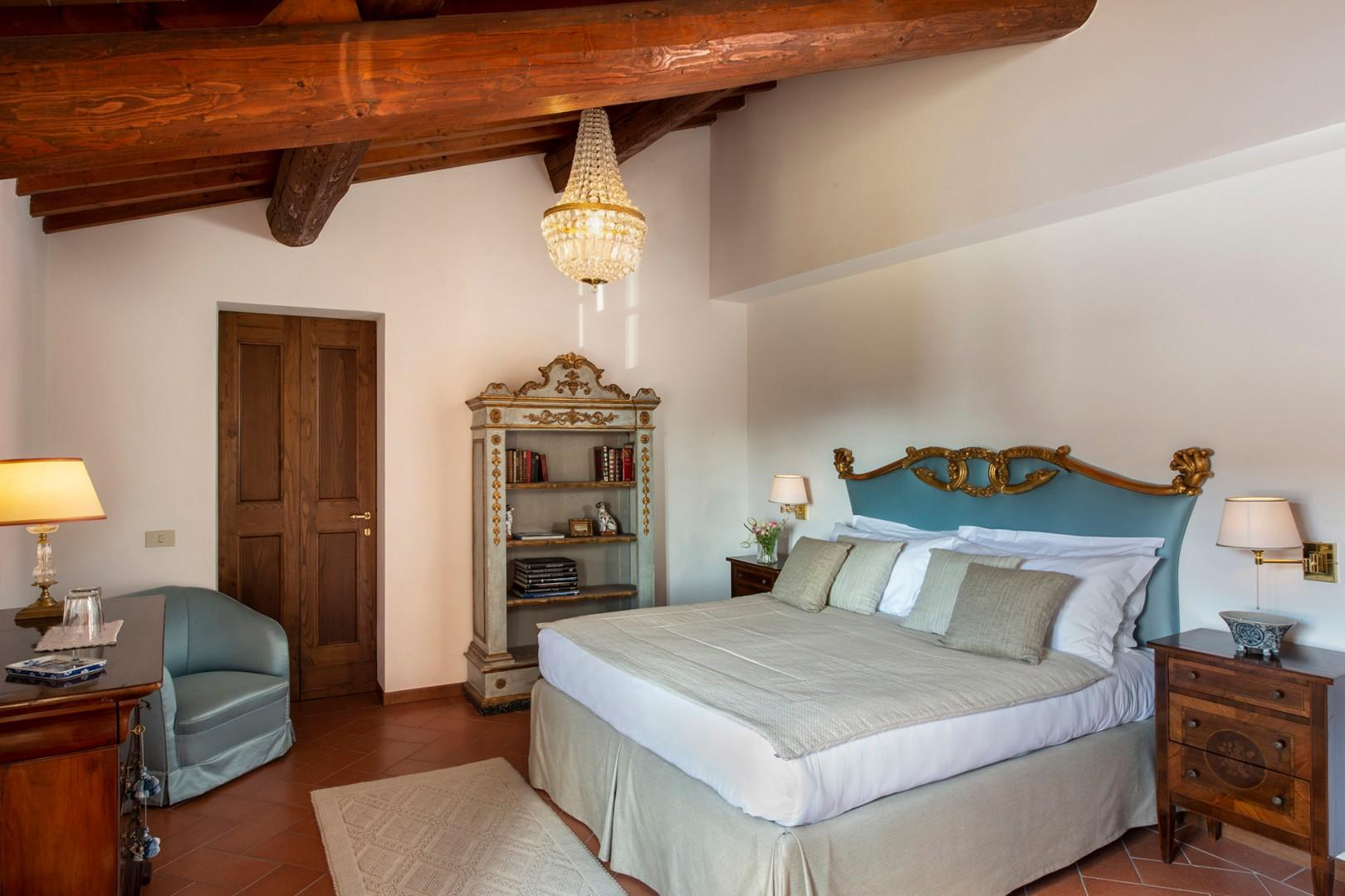 Each of the 5 bedrooms has its own bathroom as well as stunning views of the villa grounds.