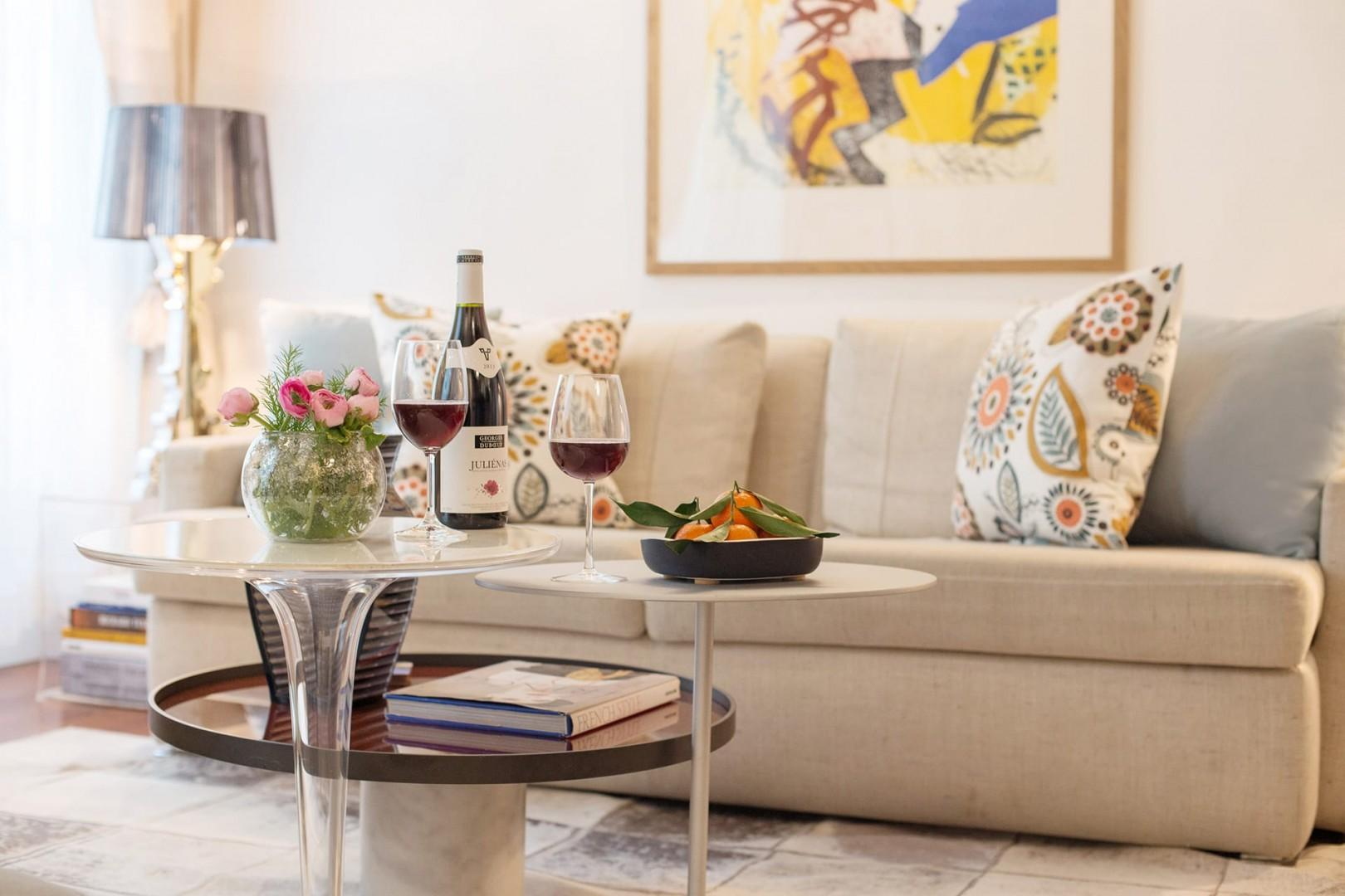Toast your arrival in Paris with a glass or two of wine!