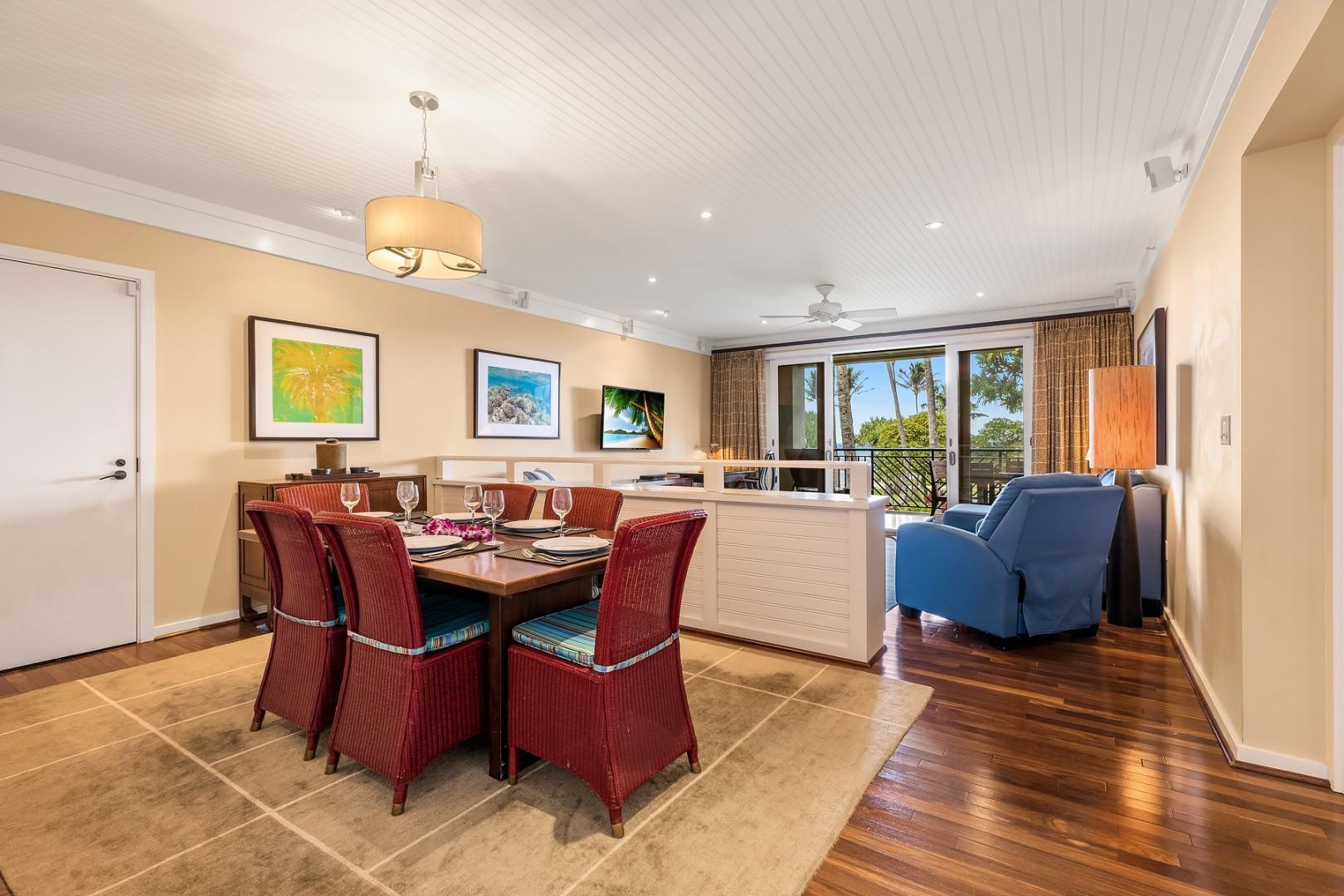 Villa 206: Dining Room