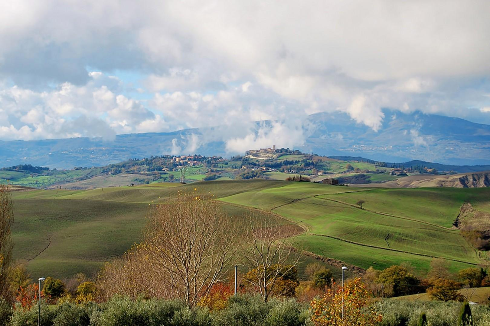 The charming Tuscan hilltown of San Casciano dei Bagni.