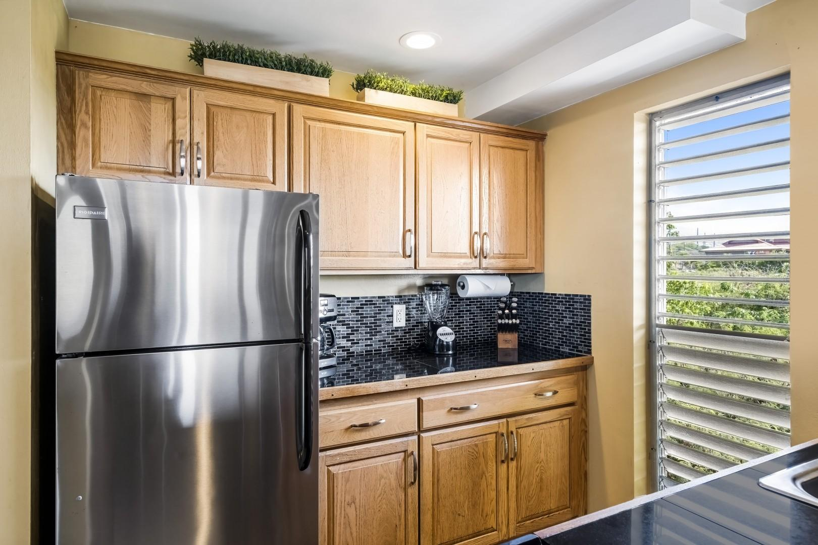 Upgraded kitchen with Stainless appliances