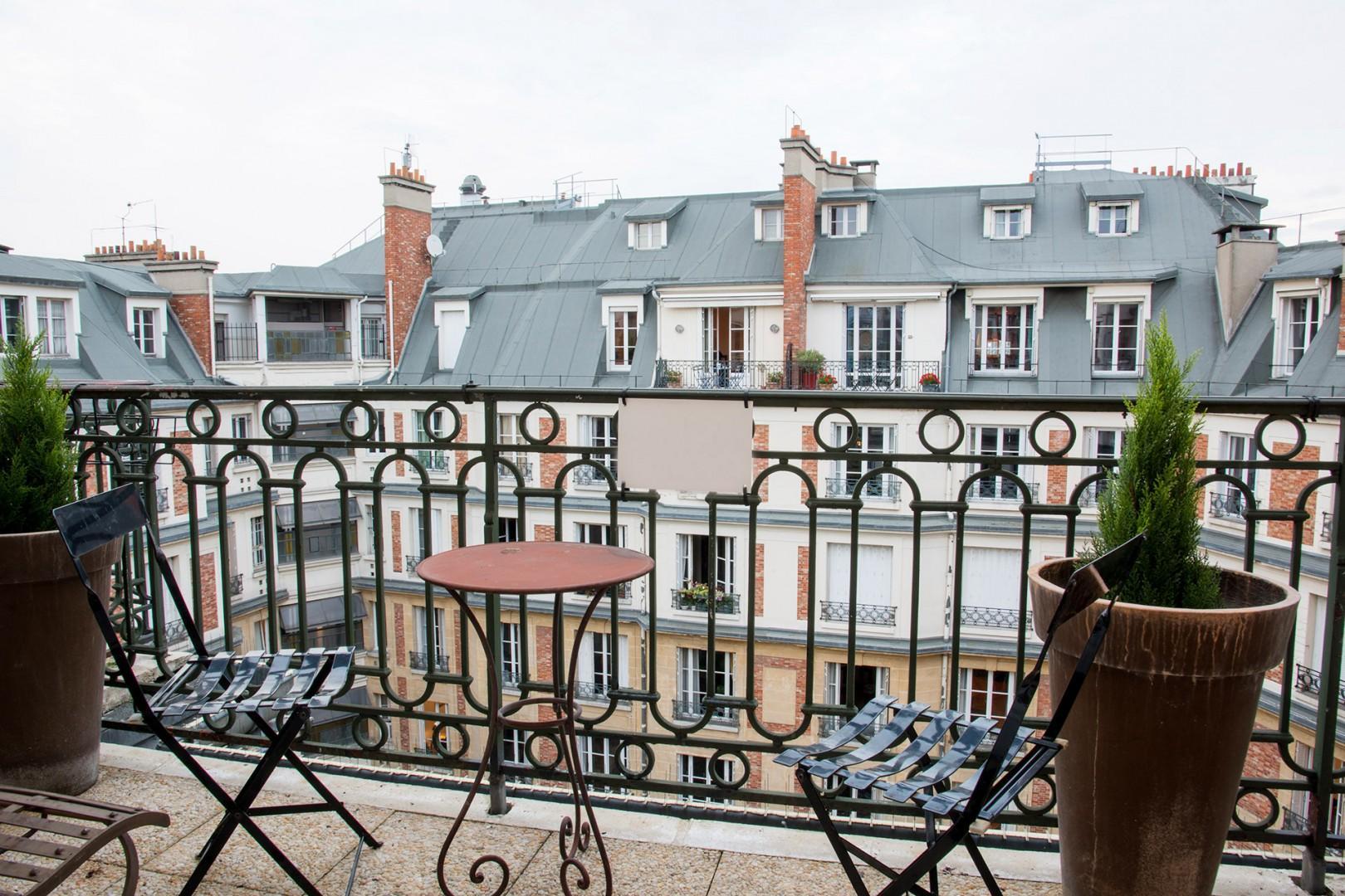 Small balcony off of bedroom 3