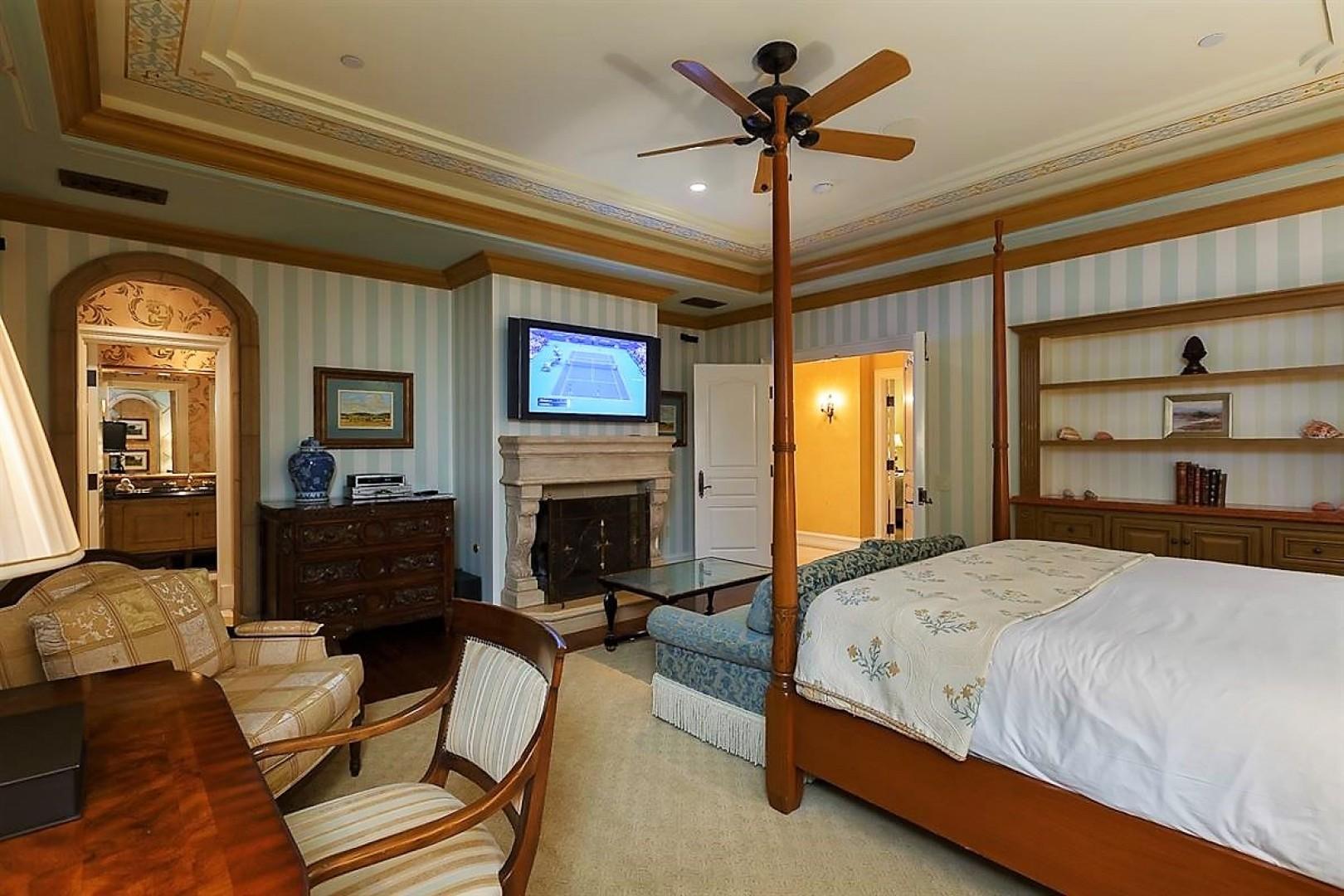 Villas_at_Grand_Del_Mar_Loggia_Bedroom_07