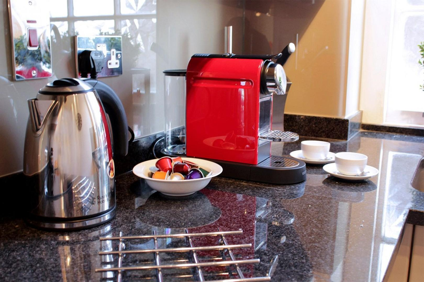 Make coffee or tea to start your day in London