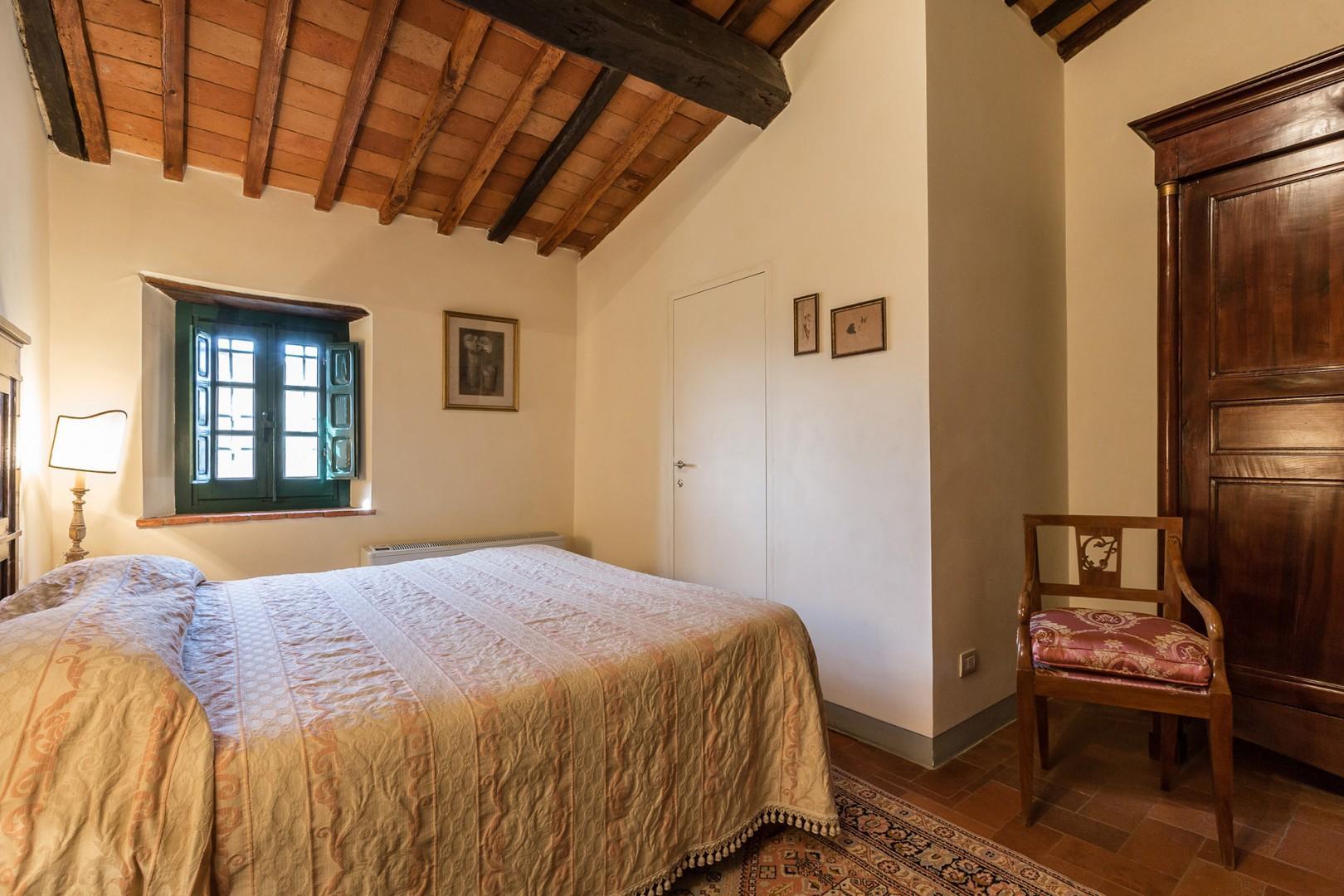 Cozy bedroom 3 with en suite bathroom.