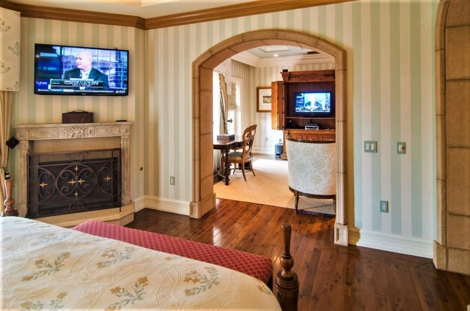 Villas_at_Grand_Del_Mar_Loggia_Bedroom_05