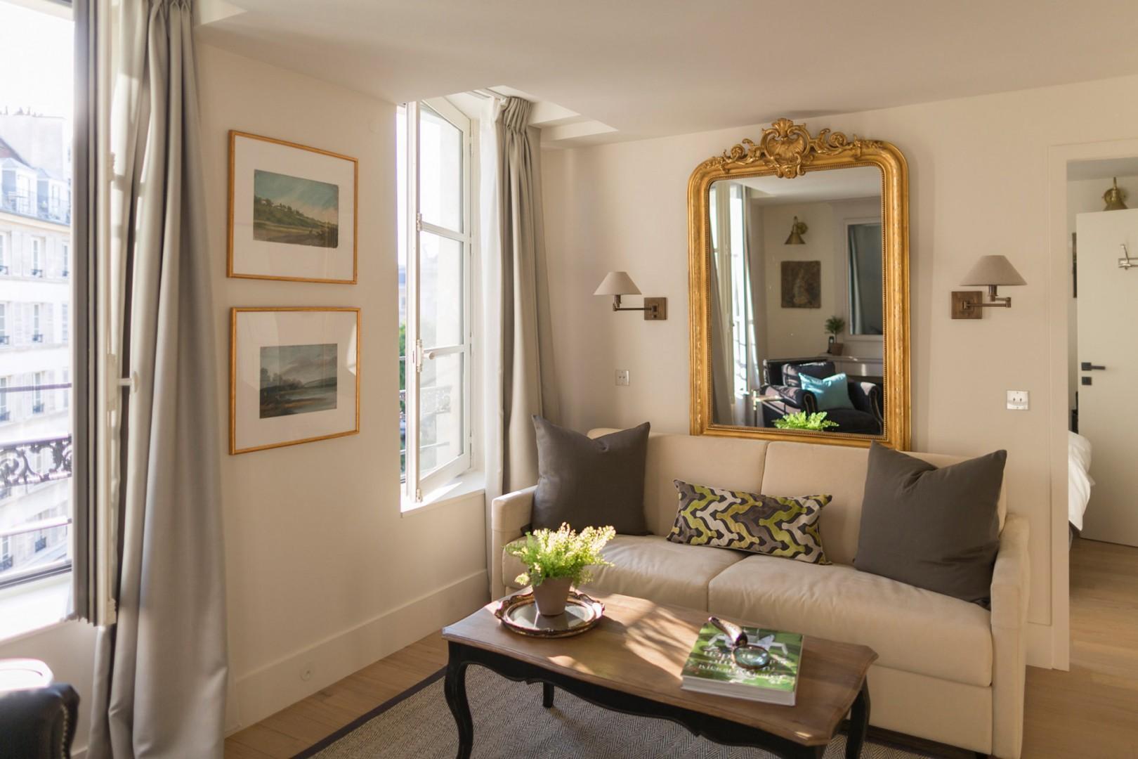 Settle into the luxurious Loupiac apartment!
