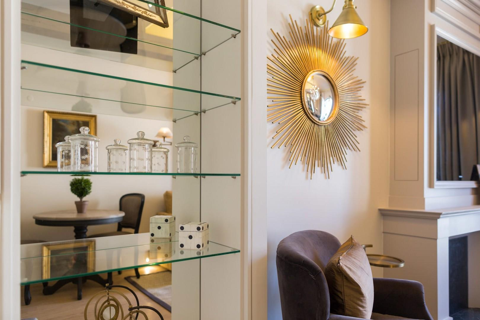 Unique decor gives Monbazzilac its style.