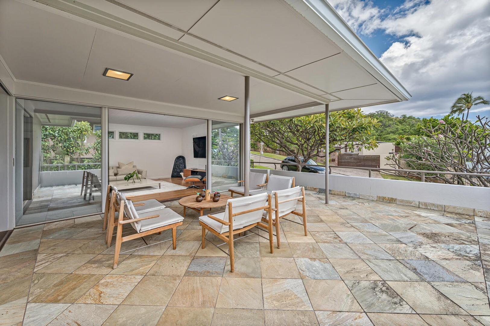 Large outdoor sitting area, quiet setting