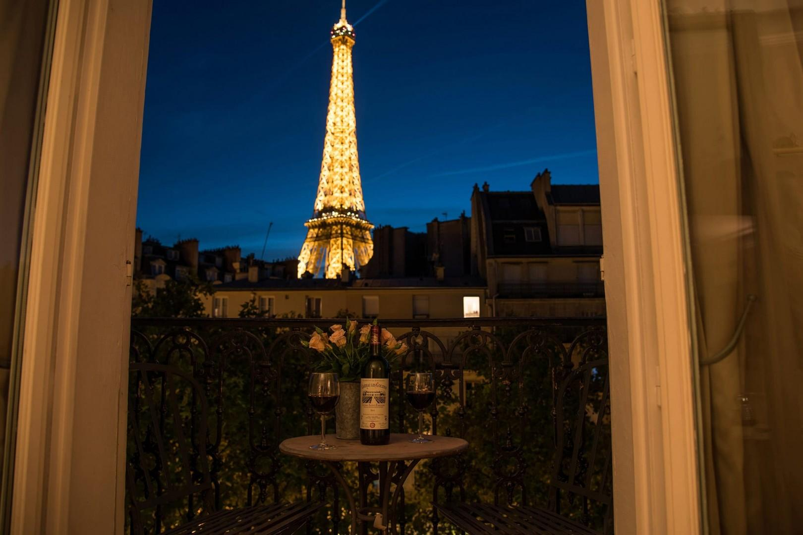 Welcome to the Cabernet, where you will enjoy stunning views of the Eiffel Tower!