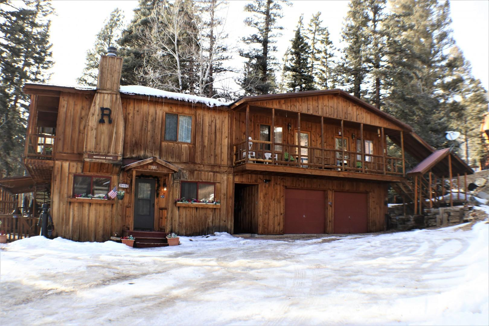 Ridgeview Lodge House