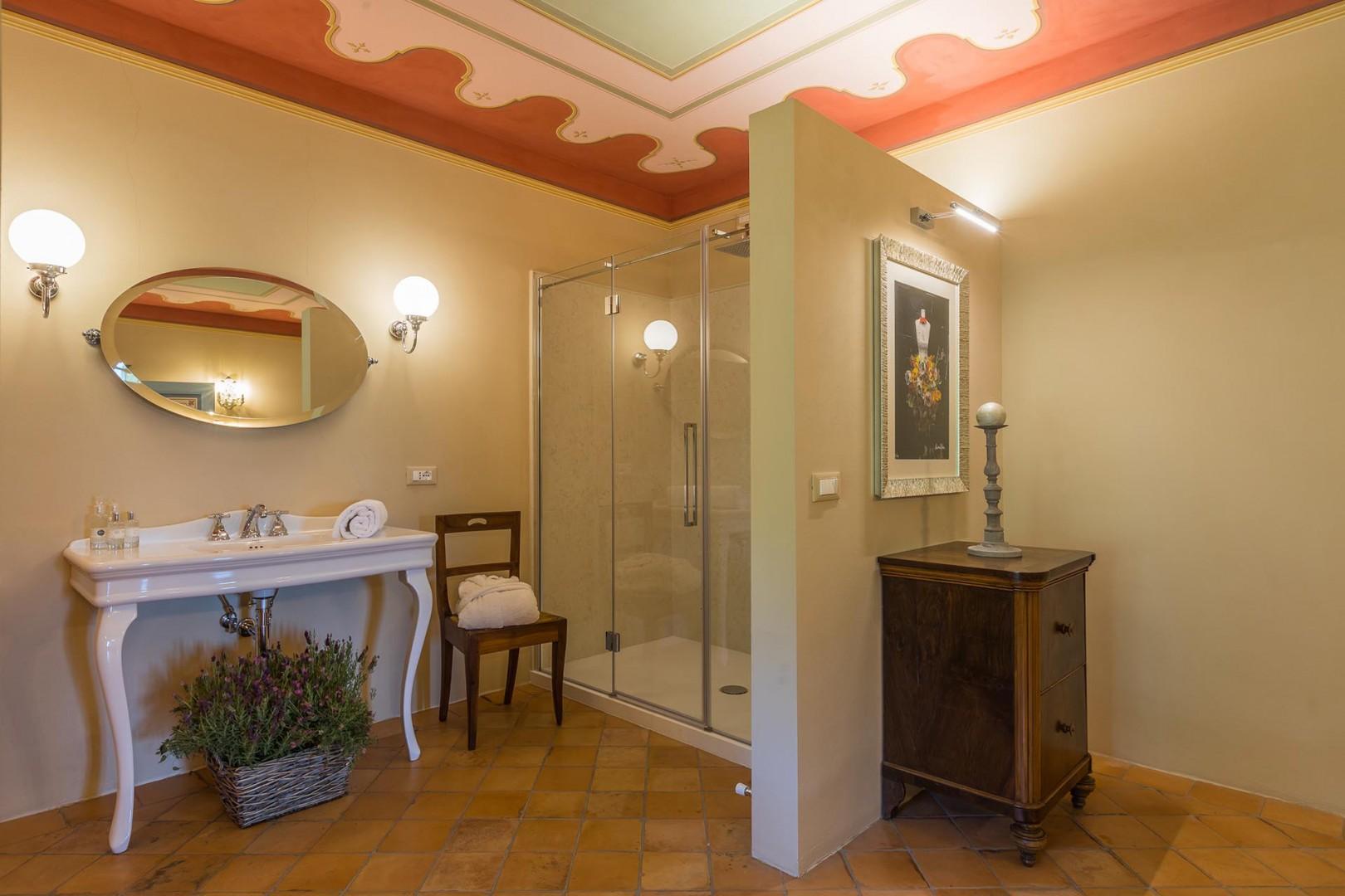 En suite bathroom 1 with shower.