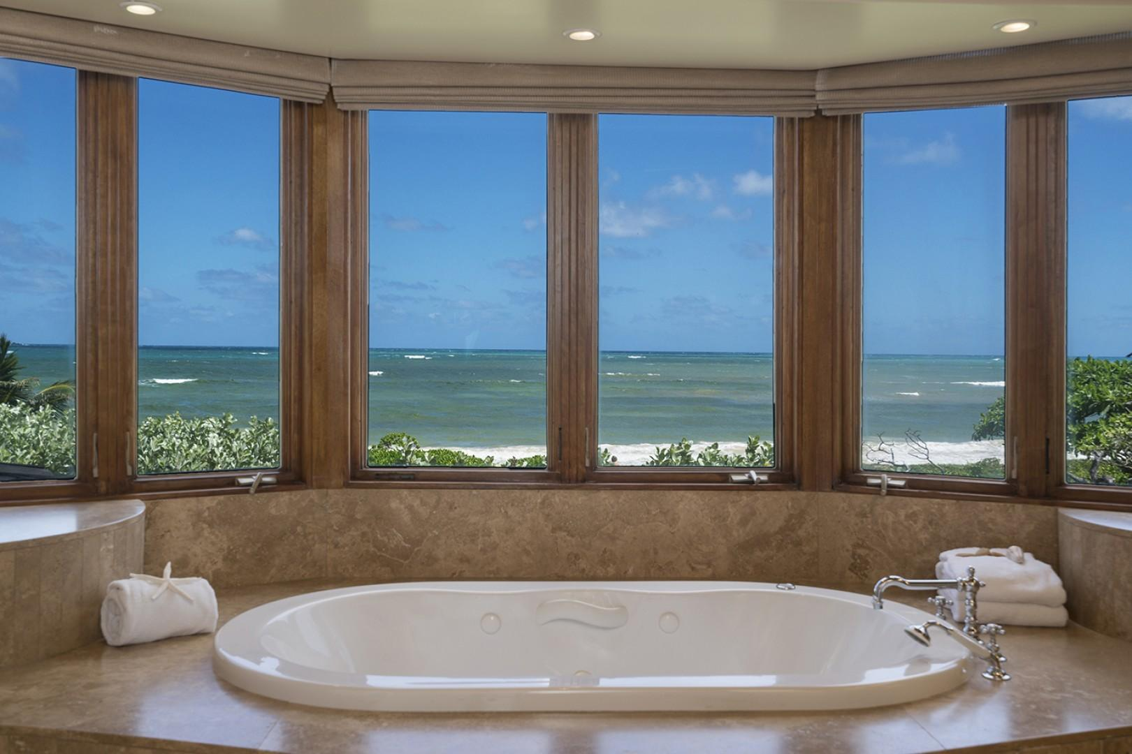 Main house: Master Bathroom jetted tub that overlooks Kailua Bay.