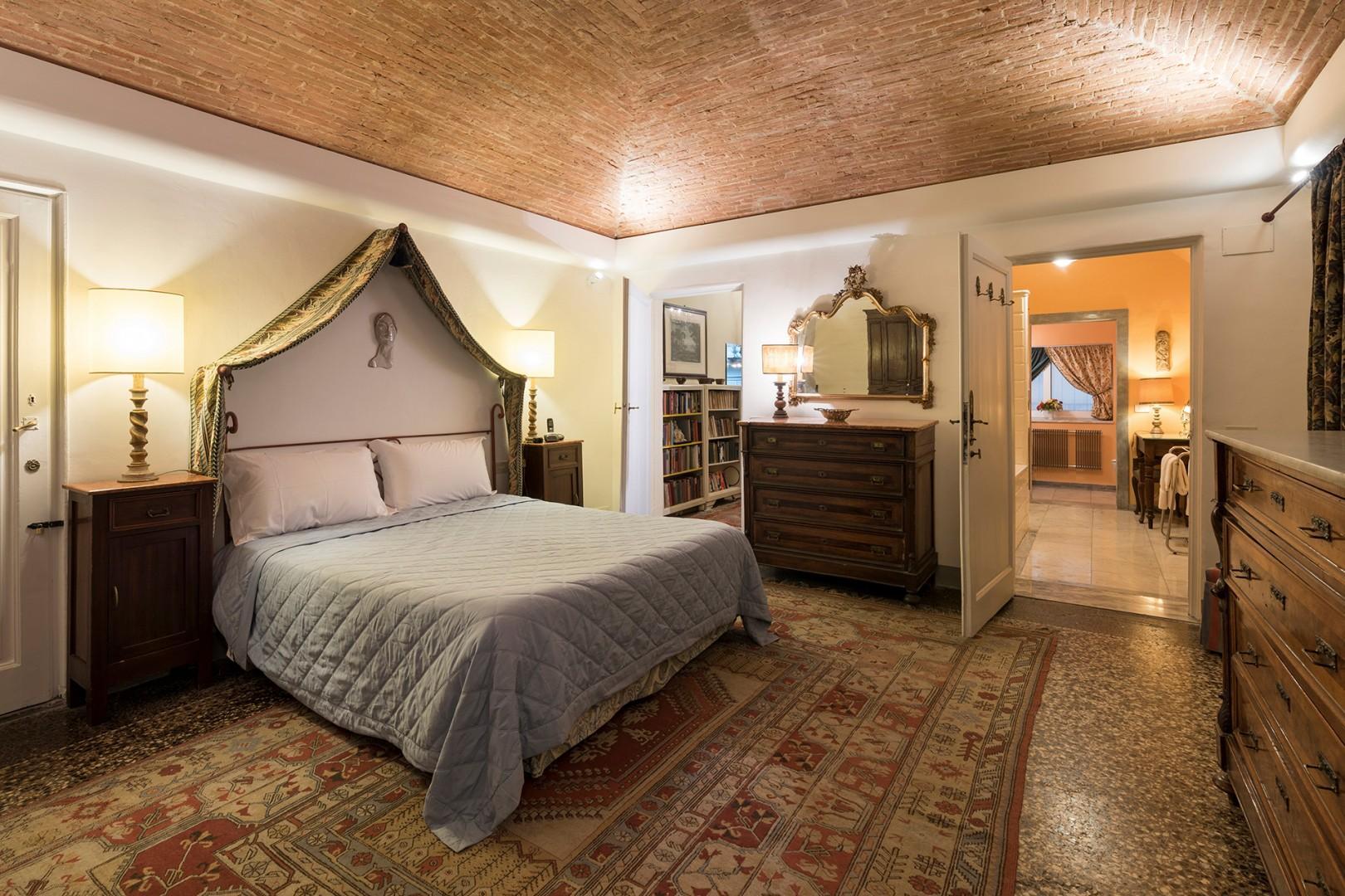 Large bedroom 1 has plenty of storage and an en suite bathroom.