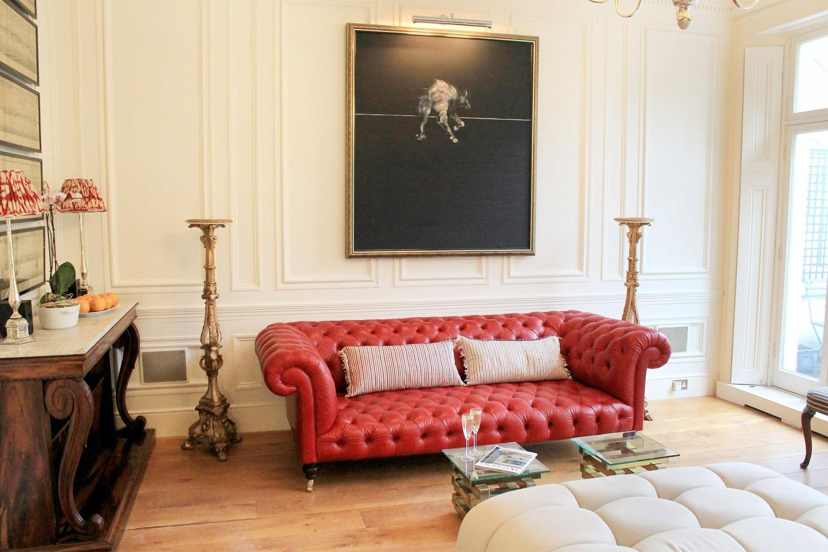 Stunning living room in luxurious South Kensington vacation rental