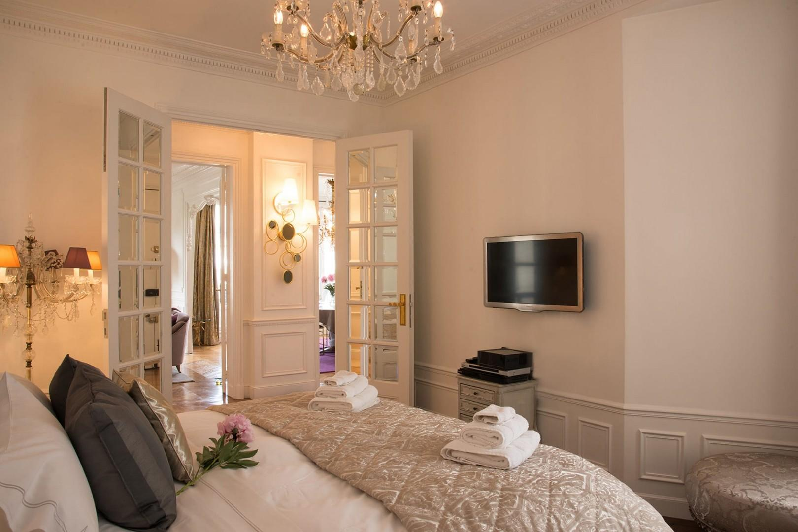 Only the best French linens are used in this luxury rental.