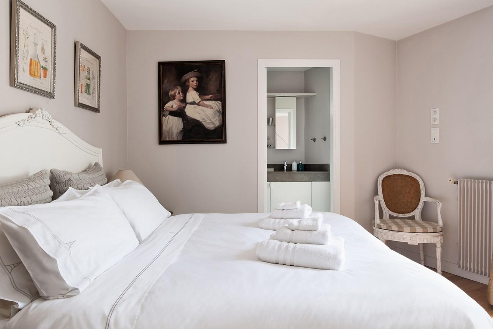 Relax in the stunning bedroom 1 with an en suite bathroom.