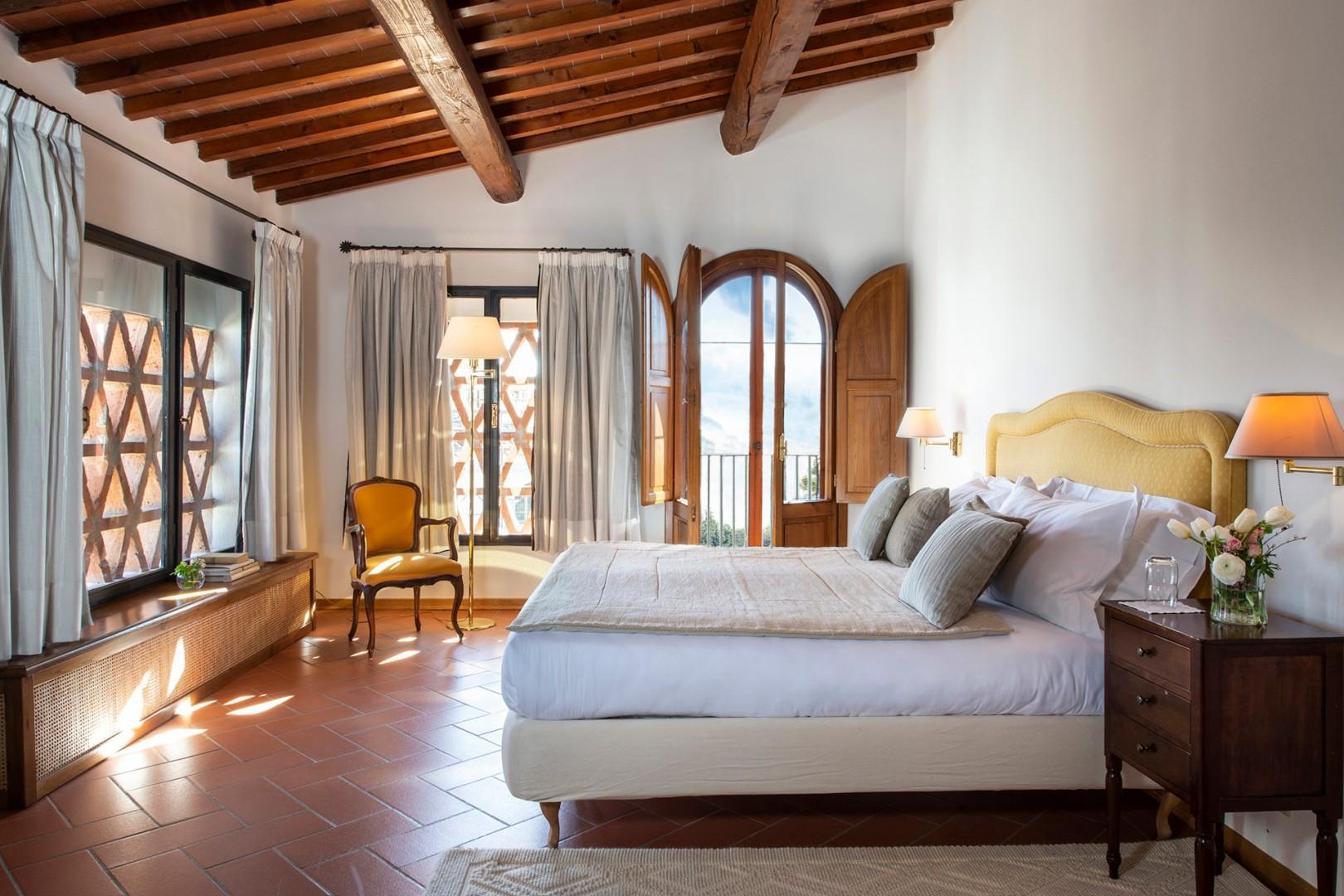 Cottage bedroom 2 also with en suite bathroom.
