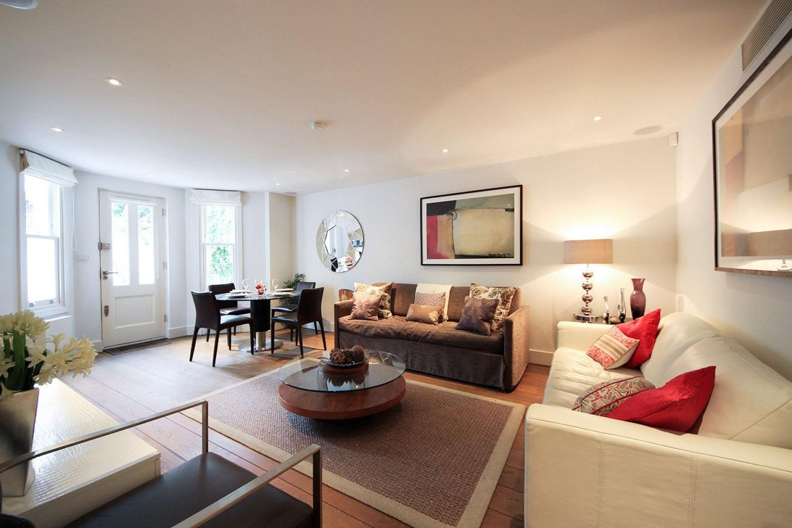 Modern and contemporary living room in London vacation rental