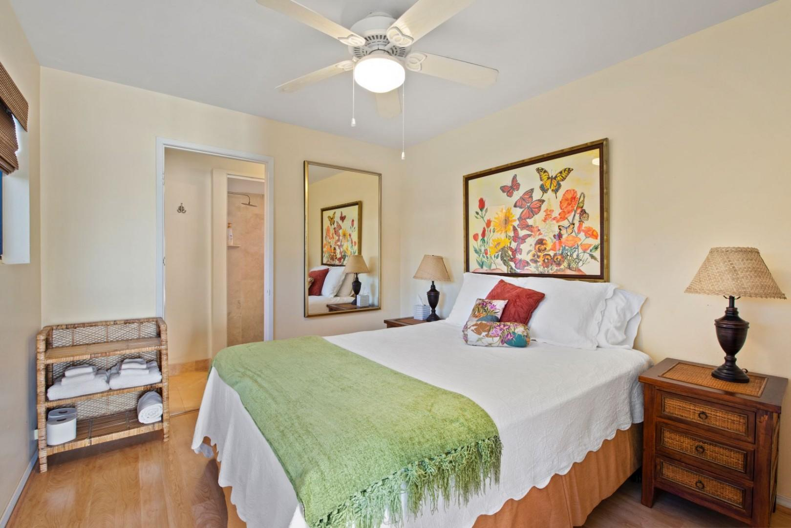 18 Pool House bedroom 1 and 2 both have comfornatle Quuen beds and private en suites