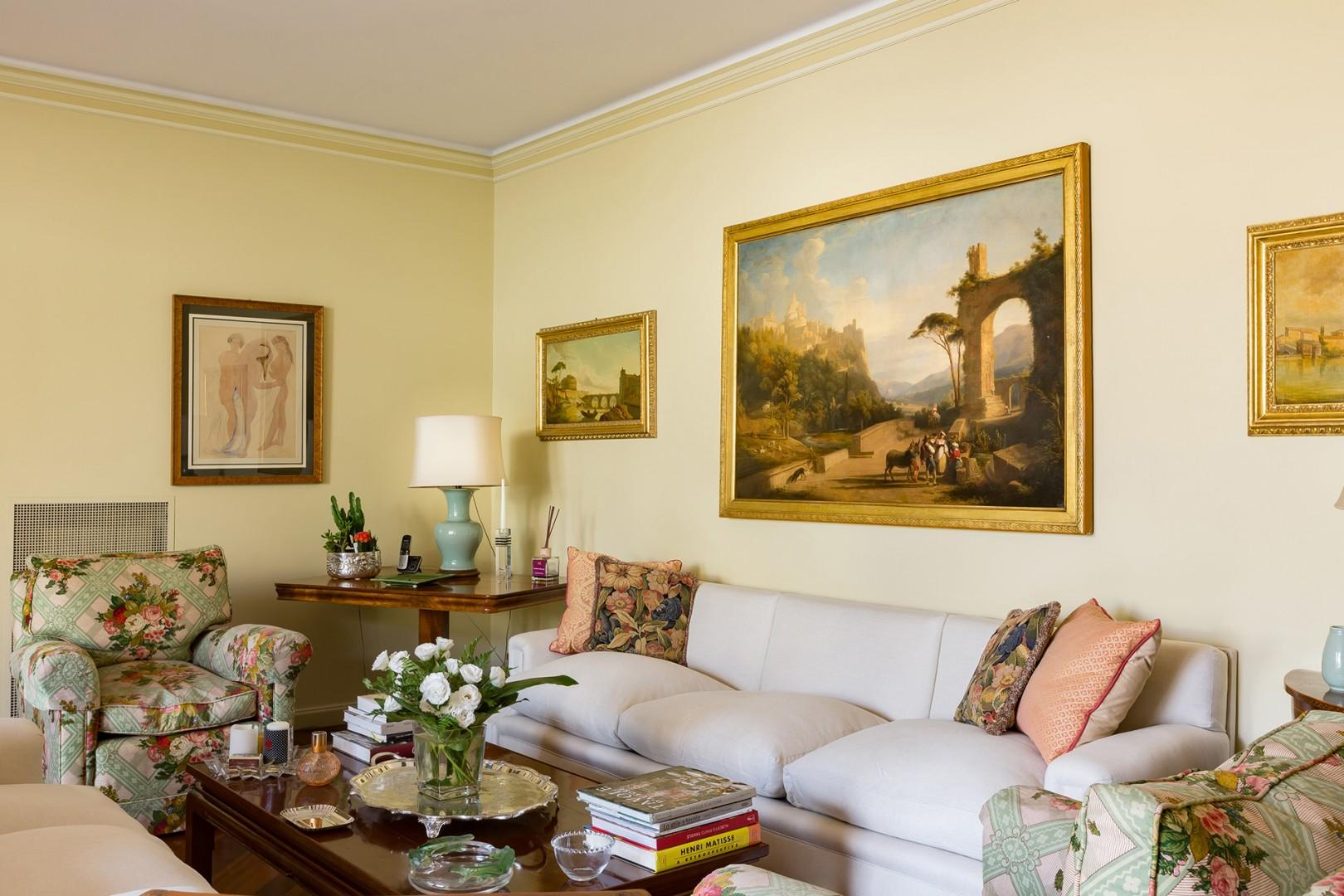 Fine living room seats all guests in this luxury Spanish Steps apartment.