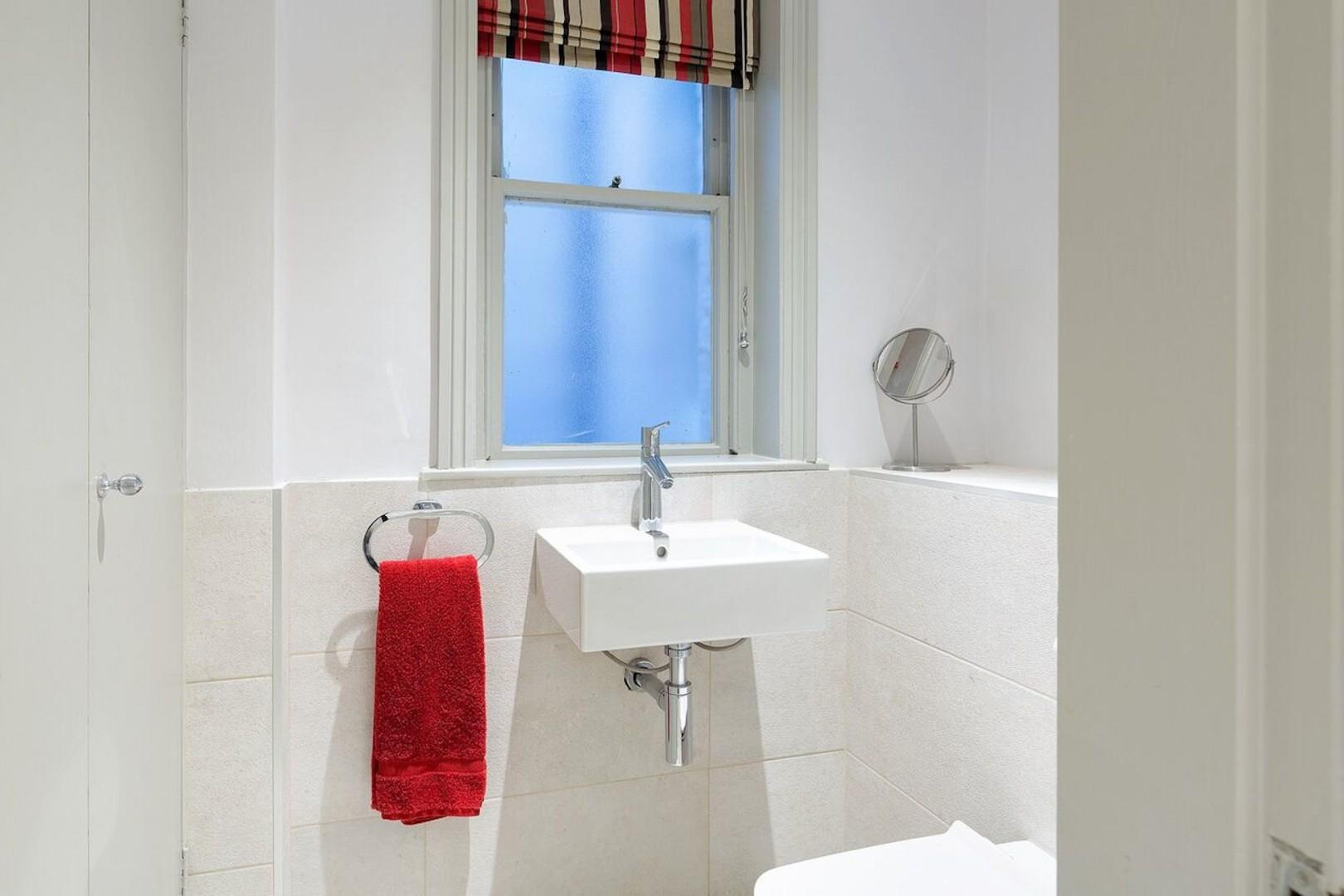 A separate half-bath in addition to the two en suites