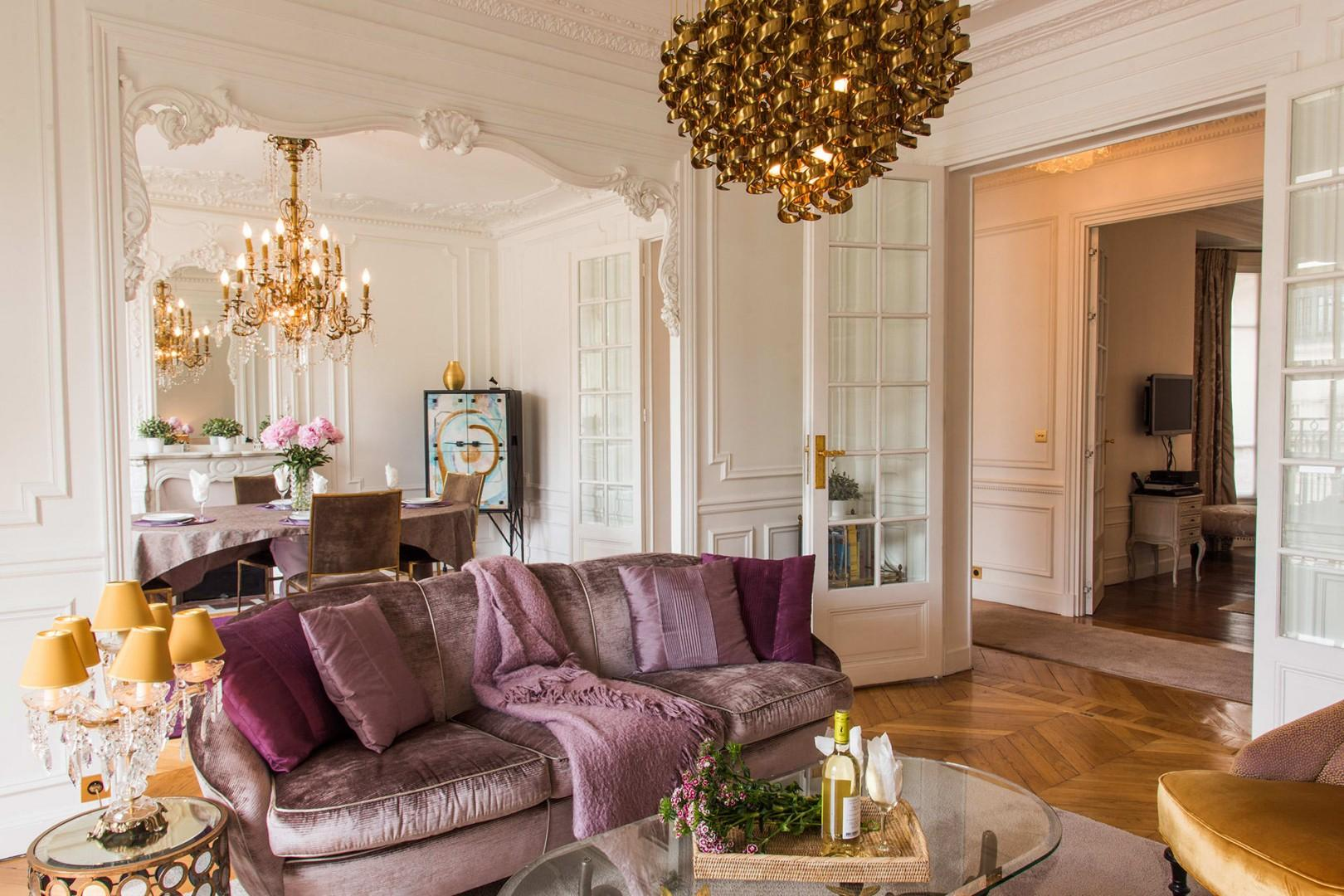 Every detail in this deluxe apartment has been carefully finished.