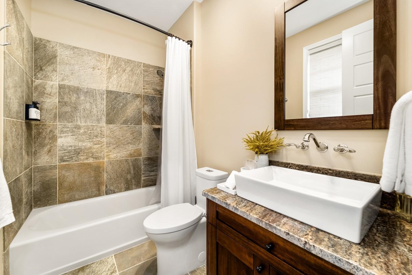 Bathroom 3 L