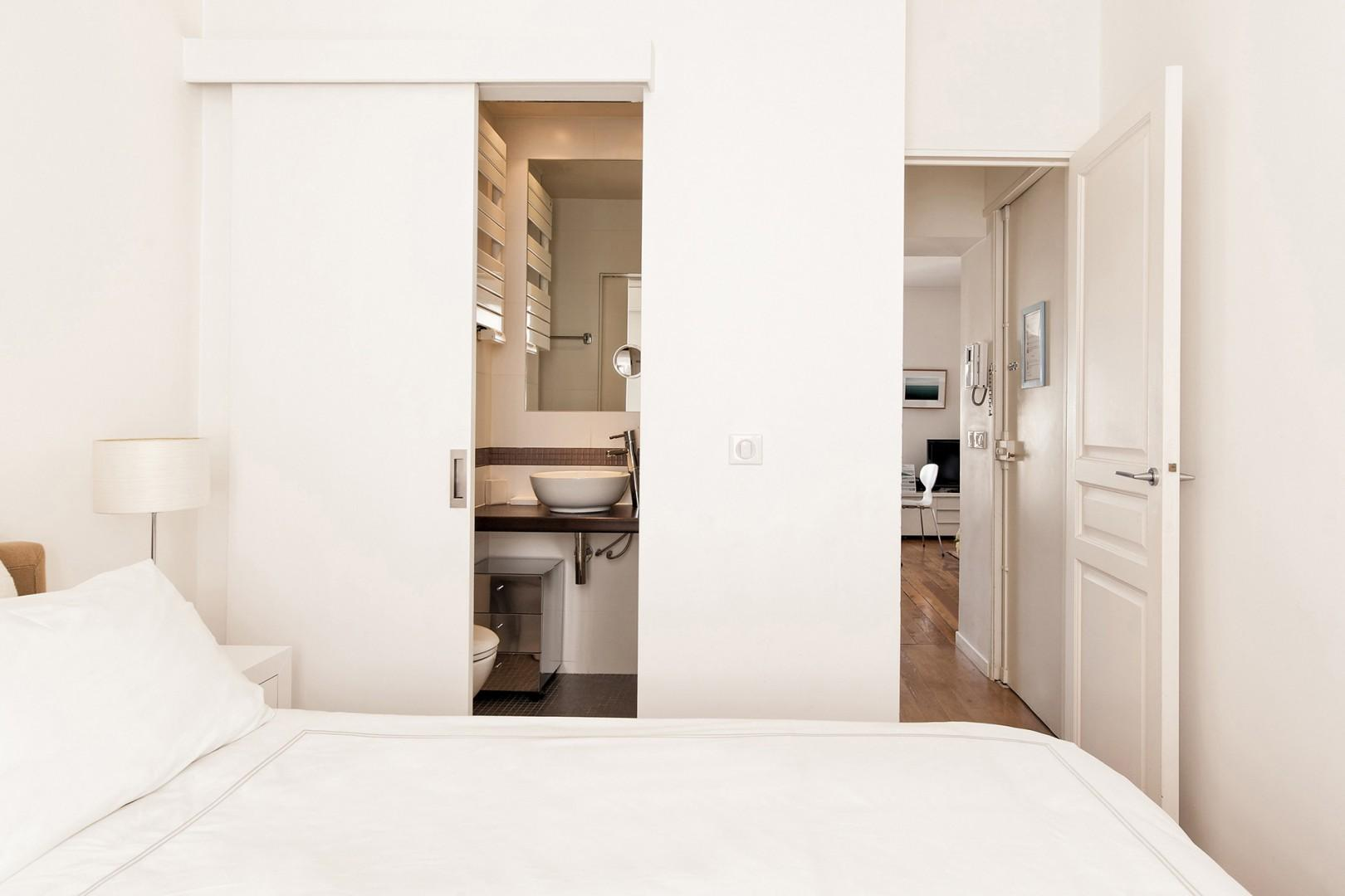 CMS-13-(You'll love the convenience of bathroom 1.)-11-palette-bedroom-2